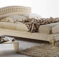 Итальянская мебель Bastex  кровать в классическом стиле Oberon