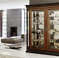 Итальянская мебель Le Fablier классическая коллекция столовая I Lauri витрина Signa