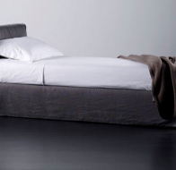 Итальянская мягкая мебель MERIDIANI кровать LAW