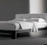 Итальянская мягкая мебель MERIDIANI кровать WINGER WOOD